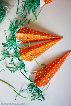 The Hankful House: Paper Carrot Easter Banner