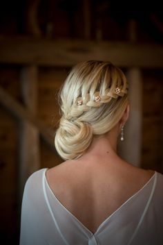 Chez Bec: Exquisite 2015 Wedding Jewellery + Saving for Readers Wedding Guest Hair Up, Wedding Party Hair, Wedding Guest Hairstyles, Wedding Blog, Wedding Updo, Bridesmaid Hair, Prom Hair, Romantic Bridal Updos, Cute Side Braids