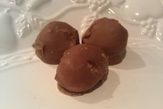 Seriously easy and delicious! Peanut Butter Balls recipe.    #Christmas #tradition