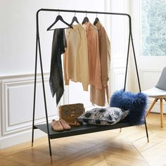 Next purchase Agama Metall Kleiderständer La Redoute Interieurs Metal Clothes Rack, Clothes Rail, Outdoor Couch, Open Layout, Low Shelves, Simple Shapes, Dressing Room, Wardrobe Rack, Room Decor