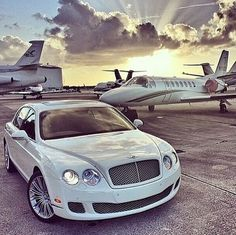 Collection of billionaire luxury lifestyle wallpaper images in Rich Lifestyle, Luxury Lifestyle, Wealthy Lifestyle, London Lifestyle, Lifestyle News, Luxury Travel, Luxury Cars, Luxury Homes, Luxury Yachts