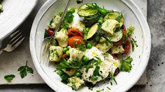Spinach gnocchi recipe with peas, zucchini, goat's curd and tarragon