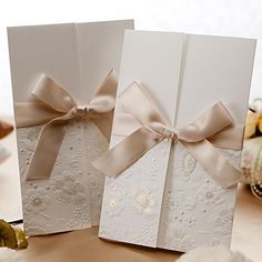Vintage Embossed Tri-fold Wedding Invitation With Ribbon Bow (Set of 50) – GBP £ 32.39