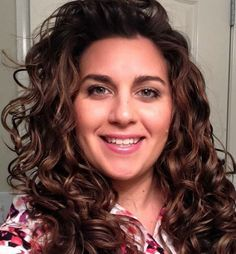 avoiding the wet, gelled down look with wavy/curly hair - NaturallyCurly.com  (hair routine to try on the twins...)