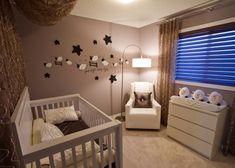 babyzimmer gestalten neutral weiße möbel braune wandfarbe deko schäfchen