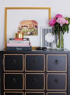 Beautiful entrance - love the Bonjour print, dresser and flowers - Amazing House Design Home Staging, Room Inspiration, Interior Inspiration, Furniture Inspiration, Gold Dresser, Dresser Top, Boho Home, Interior Decorating, Interior Design