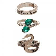This officially licensed Slytherin ring set includes 3 rings at 3 different sizes; Rings included: Slytherin house traits band - size Slytherin jeweled ring - size and Slytherin Snake ring - size Comes in a Harry Potter gift box. Anillo Harry Potter, Objet Harry Potter, Harry Potter Ring, Deco Harry Potter, Harry Potter Merchandise, Harry Potter Jewelry, Harry Potter Outfits, Slytherin Ring, Slytherin Harry Potter