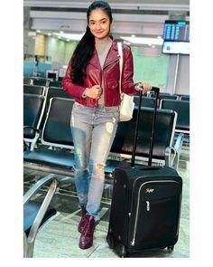 Indian Tv Actress, Indian Actresses, Girl Trends, Teen Actresses, Stylish Girl Pic, Girls Dpz, Girl Photography Poses, Beautiful Asian Girls, Indian Girls