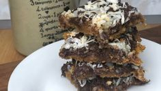 The best five ingredients make these GUI yummy magic bars with Graham cracker, coconut, chocolate all melted together