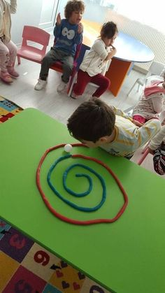 Diy Crafts - preschool,toddler-This Ping Pong Playdough Straw Maze is fun the build and great for developing oral motor skills! Fun for kids of all ag Indoor Activities, Sensory Activities, Toddler Activities, Preschool Activities, Nursery Activities, Preschool Learning, Oral Motor Activities, Physical Activities, Teaching