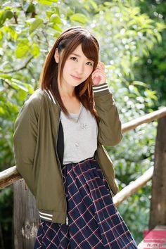 日本のAV女優,グラビアアイドル,かわいい女の子の画像。