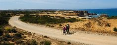 A total of 4 sections and 5 complementary circuits, totaling 120 km. Discover Portugal Sw always running along the coastline.