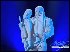 "An interesting video of Jérôme Murat at Le Plus Grand Cabaret Du Monde as ""La Statue"", a sculpture come to life with a bizarre friend. Strange, funny, amazing stage performance."