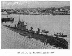 Artikel in Marine Schepen over O12 klasse onderzeeboten en de vermissing van onderzeeboot Hr. Ms. O13 Dutch East Indies, Armies, Submarines, Ww2, Tanks, Paris Skyline, Holland, Boats, Ship
