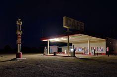 roy's gasoline. amboy, ca. 2014.