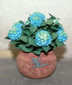 "Dollhouse miniatures ""Flower pot with Hydrangea""- Artisan Handmade Miniature in 12th scale. From CosediunaltroMondo"