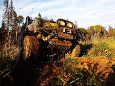 """Организаторский LR Defender 110 """"Дедъ"""" во время прохождения трофи-рейда по территории Калужской области. Осень 2011 года."""