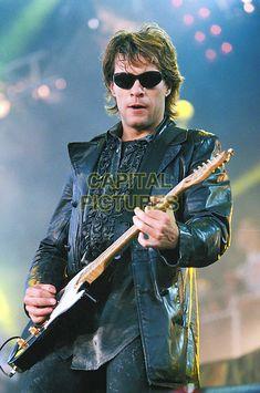 Bon Jovi Always, Jon Bon Jovi, Che Guevara, Punk, Shades, Movie Posters, Movies, Fictional Characters, Playing Guitar
