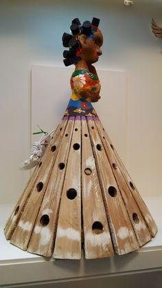 artesanato baiano , boneca em madeira