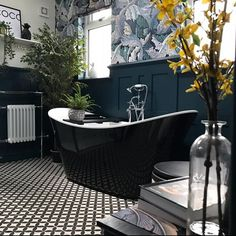 Unusual bathrooms, beautiful bathrooms, art deco bathroom, bathroom floor t Bathroom Paneling, Bathroom Floor Tiles, Bathroom Wallpaper, Downstairs Bathroom, Master Bathroom, Bathroom Black, Tile Floor, Bathroom Tubs, Navy Wallpaper