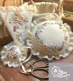 Wonderful Ribbon Embroidery Flowers by Hand Ideas. Enchanting Ribbon Embroidery Flowers by Hand Ideas. Brazilian Embroidery Stitches, Embroidery Hoop Crafts, Types Of Embroidery, Learn Embroidery, Silk Ribbon Embroidery, Cross Stitch Embroidery, Embroidery Patterns, Hand Embroidery, Making Fabric Flowers