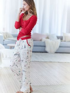 It's beginning to look A LOT like Christmas. This flannel pant's got all the trimmings. | Victoria's Secret The Dreamer Henley Pajama