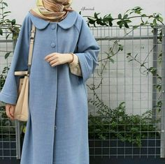 hijab dress Should I say that raglan arm works? Abaya Fashion, Modest Fashion, Fashion Outfits, Fall Fashion, Muslim Women Fashion, Islamic Fashion, Lehenga, Modele Hijab, Mode Abaya
