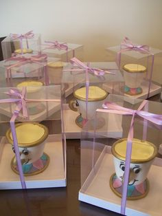 Bolo & Brigadeiro: A Bela e a Fera Birthday Favors, 4th Birthday Parties, 2nd Birthday, Beauty And The Beast Theme, Sweet 16 Dresses, Small Cake, Sweet Sixteen, Wow Products, Bat Mitzvah