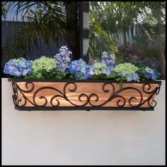 re·ga·li·a rəˈɡālyə/ noun the emblems or insignia of royalty, especially the crown, scepter, and other ornaments used at a coronation. // Regalia Decora Window Boxes #copper #windowbox #gardening