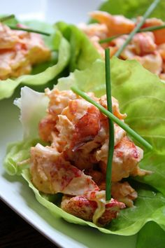 Sriracha Lobster Salad Lettuce Cups/ gonna try with crab. Lobster Recipes, Fish Recipes, Seafood Recipes, Appetizer Recipes, Great Recipes, Appetizers, Cooking Recipes, Favorite Recipes, Healthy Recipes