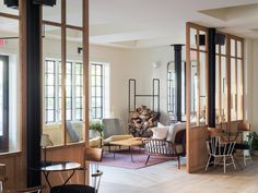 TheRivertown Lodge in Hudson, New York, uses wood throughout, offering cosy and homey lodgings.