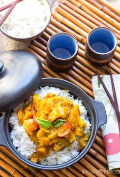Gedämpfter Reis mit rotem Curry Coconut Squash