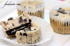 Recipe Snobs: Cookies and Cream Cheesecake Cupcakes