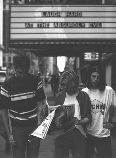 love music photo kurt cobain nirvana rock hippie hipster vintage Grunge psychedelic Band retro polaroid hippy instant folllow back Nirvana Kurt Cobain, Jenny Holzer, Mode Grunge, 90s Grunge, Rock Poster, Images Esthétiques, Smells Like Teen Spirit, We Will Rock You, Dave Grohl