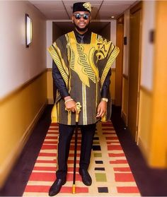 Bambam & Teddya At The Future Awards - Celebrities - Nigeria Couples African Outfits, African Dresses Men, African Clothing For Men, African Wear, African Attire, Nigerian Men Fashion, African Men Fashion, Mens Fashion, Agbada Styles