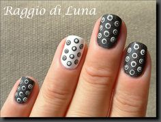 Raggio di Luna Nails: Dark grey & white dots