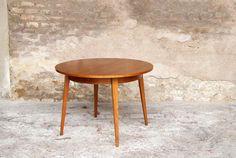TABLE RONDE VINTAGE EN TECK – 2 RALLONGES http://www.gentlemen-designers.fr/