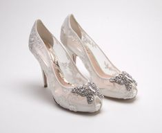 Wedding Shoes Ideas, Small Rhinestones Butterfly White Lace Low Heel Wedding Shoes For Bride: Guides for the Bride to Determine Wedding Shoes #brideshoeselegant