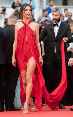 From Bella Hadid to Priyanka Chopra, the Stars That Brought Bombshell Leg Reveals to Cannes - Vogue Alessandra Ambrosio, Modest Bikini, Cute Bikinis, Poses, Priyanka Chopra, Celebs, Celebrities, Cannes Film Festival, Bella Hadid
