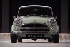 But the David Brown Mini Remastered might as well be. This updated take on the classic Mini starts with a used. Yamaha Yzf R6, Classic Mini, Retro Cars, Vintage Cars, Carros Retro, Mini Morris, Automobile, Bmw Classic Cars, David