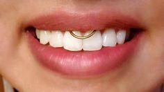 Piercing Gold BCR Smiley À retrouver ici : http://c-bo.fr/piercing-anneau-or-jaune-ouverture-facile-clipable.html