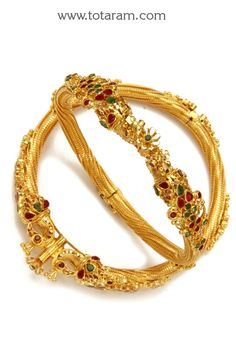 Fine Gold Kada with Ruby & Emerald - Set of 2 Pair). Gross Gold Weight: grams Ruby & Emerald Weight: Carats Width on the sides of the Gold Bangles For Women, Gold Bangles Design, Gold Jewellery Design, Gold Bracelets, Gold Wedding Jewelry, Gold Jewelry, Beaded Jewelry, Gold Buttalu, Bracelet Cartier