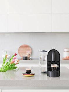 Great ways to make authentic Italian coffee and understand the Italian culture of espresso cappuccino and more! Nespresso Machine, Cappuccino Machine, Italian Coffee, Coffee Culture, Coffee Maker, Kitchen Appliances, Tea, Black, Italian Cafe