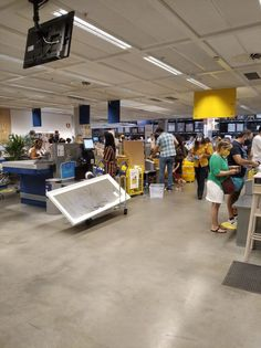 Pour éviter de perdre du temps à la caisse et faciliter la vie des employés, organisez votre chariot IKEA