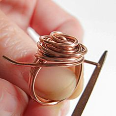tutorial to make a wire rose ring.