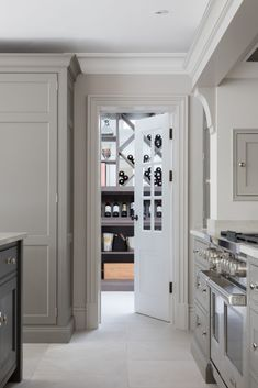The White House, Beaconsfield - Humphrey Munson Kitchens Victorian Internal Doors, House Extension Design, Extension Ideas, House Design, Humphrey Munson, Grey Kitchen Designs, Design Kitchen, Open Plan Kitchen Living Room, Eclectic Kitchen