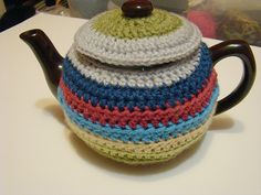 Грелки на чайник вязаные крючком. / Вязание крючком / Вязаные крючком аксессуары