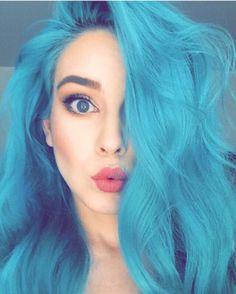 50 fun blue hair ideas become more adventurous with your hair .- 50 Fun Blue Hair-Ideen werden abenteuerlicher mit Ihrem Haar – Neue Damen Frisuren 50 fun blue hair ideas will be more adventurous with your hair - Dye My Hair, Your Hair, Teal Hair Color, Hair Colors, Bright Blue Hair, Pastel Blue Hair, Violet Hair, Color Del Pelo, Coloured Hair