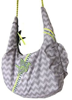Tasche ganz einfach und einzigartig selber nähen. Sewing Hacks, Sewing Tutorials, Animal Projects, Barbacoa, Sewing Clothes, Pattern Making, Fashion Bags, Diy And Crafts, Tote Bag