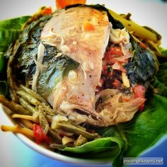 Sinanglay is stuffed tilapia wrapped in green bok choi. Cos lettuce also works; even fo a big tilapia fish. The stuffing of the tilapia would look like this. Great Recipes, Dinner Recipes, Favorite Recipes, Healthy Recipes, Delicious Recipes, Healthy Food, Fast Recipes, Detox Recipes, Eating Healthy